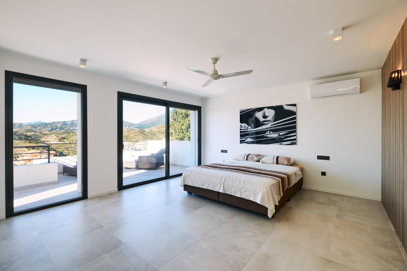Luxury villa for sale Marbella Spain (49)