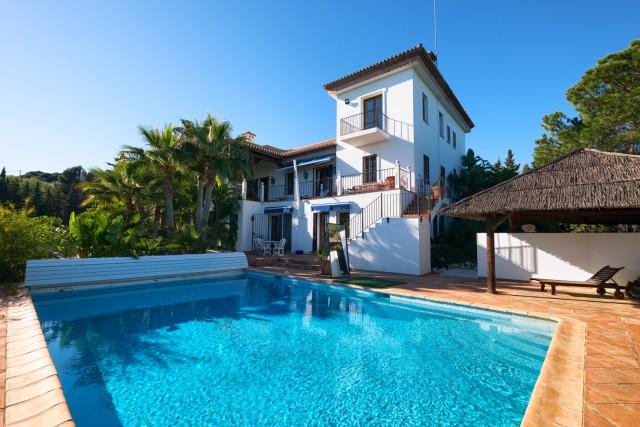 Villa for Sale - 1.995.000€ - Estepona, Costa del Sol - Ref: 6064