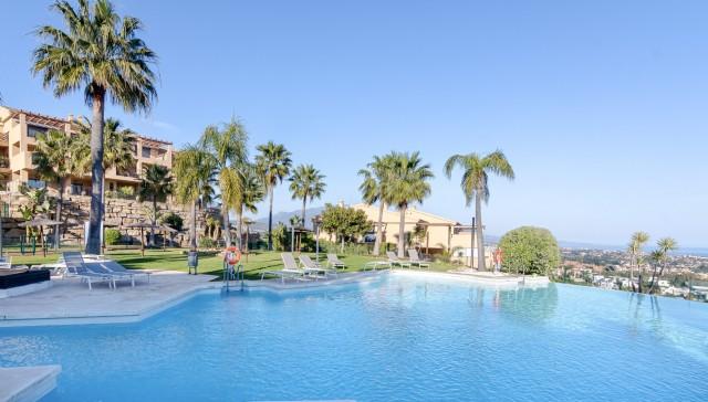 Penthouse for Sale - 410.000€ - Benahavís, Costa del Sol - Ref: 6067