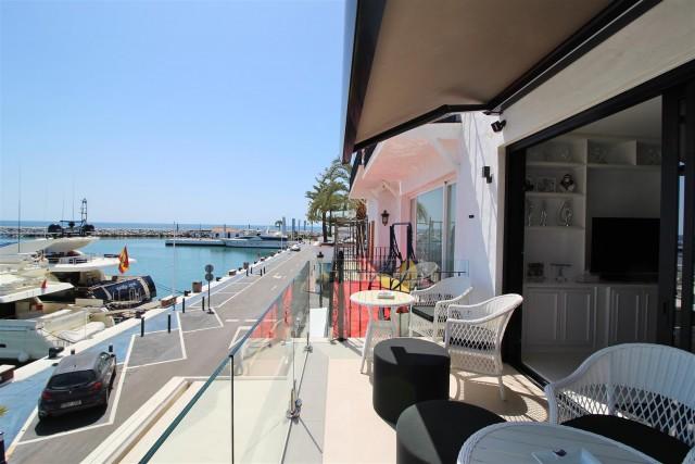 Apartment for Sale - 2.200.000€ - Puerto Banús, Costa del Sol - Ref: 5984