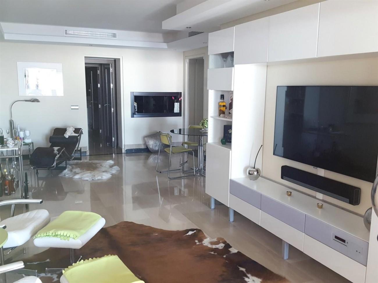Beachfront Apartment New Golden Mile Spain (5)