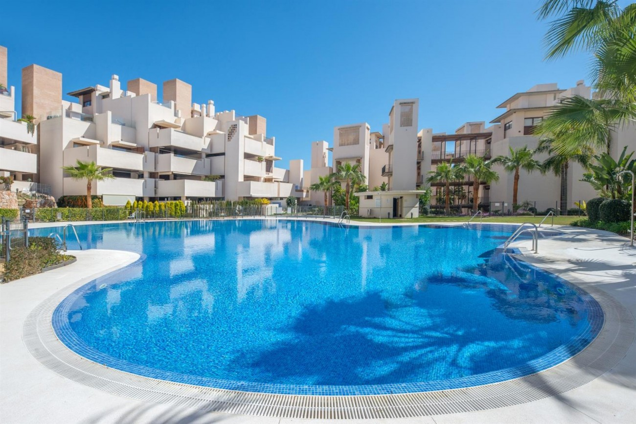 3 Beds Beachfront Penthouse New Golden Mile (2) (Large)