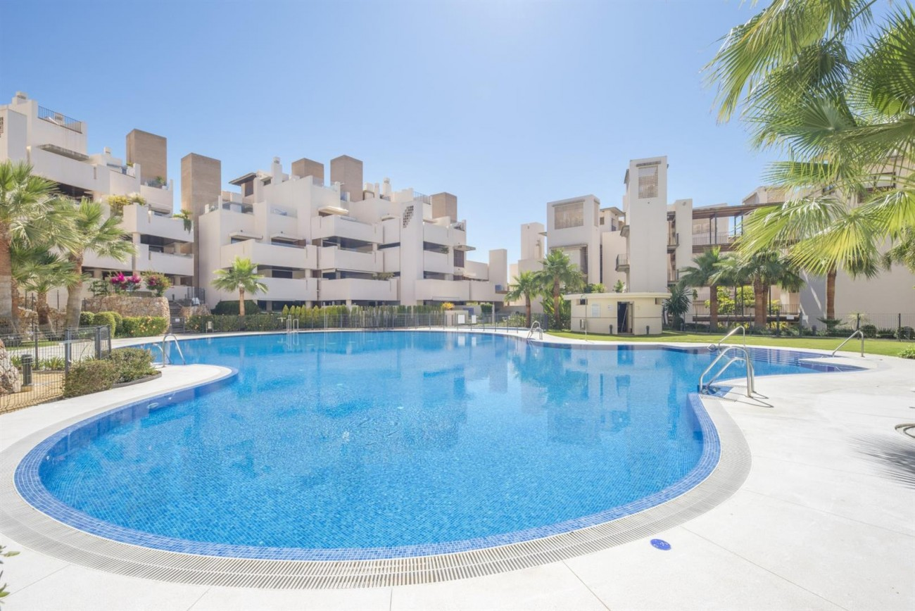 3 Beds Beachfront Penthouse New Golden Mile (27) (Large)
