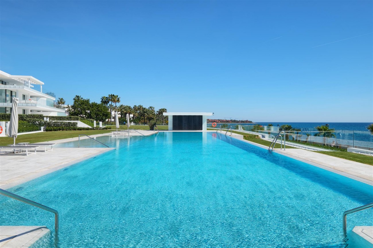 Beachfront Contemporary Apartment for sale (19) (Large)