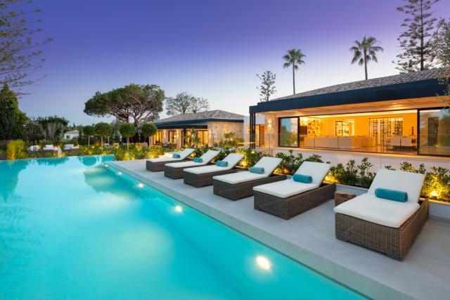 Villa for Sale - 8.500.000€ - Nueva Andalucía, Costa del Sol - Ref: 6074