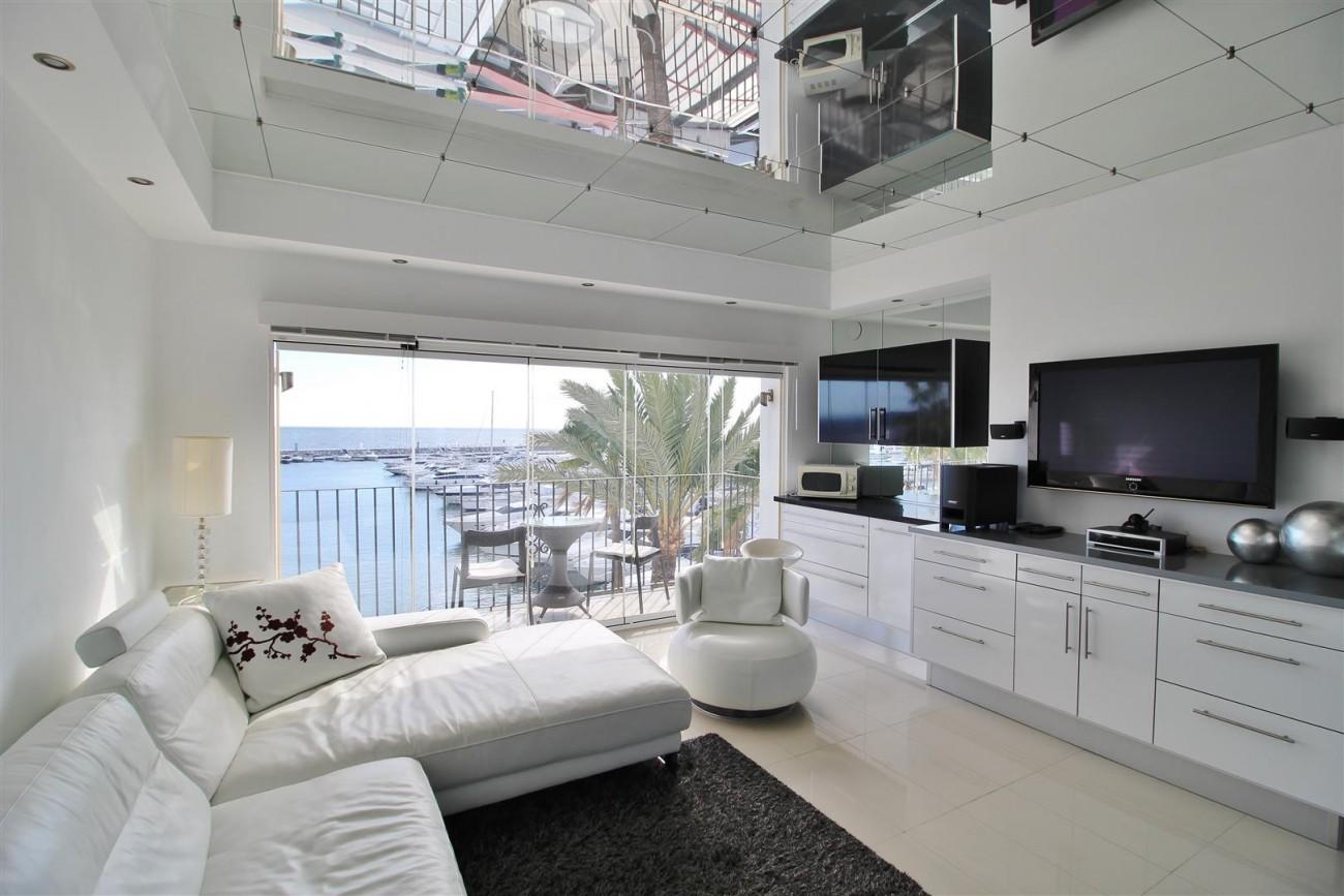 Frontline Marina Apartment for sale Puerto Banus Marbella Spain (3) (Large)
