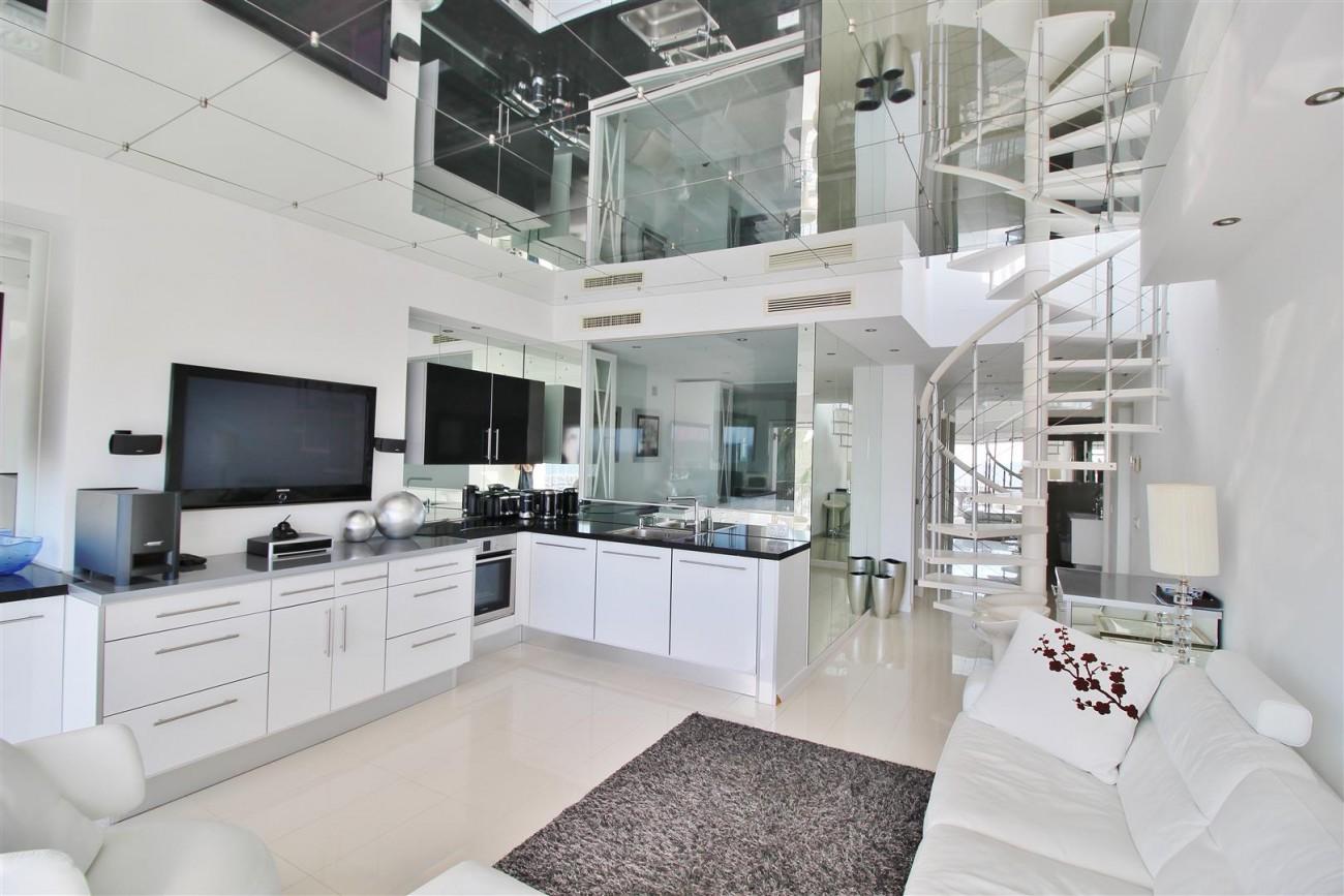 Frontline Marina Apartment for sale Puerto Banus Marbella Spain (6) (Large)