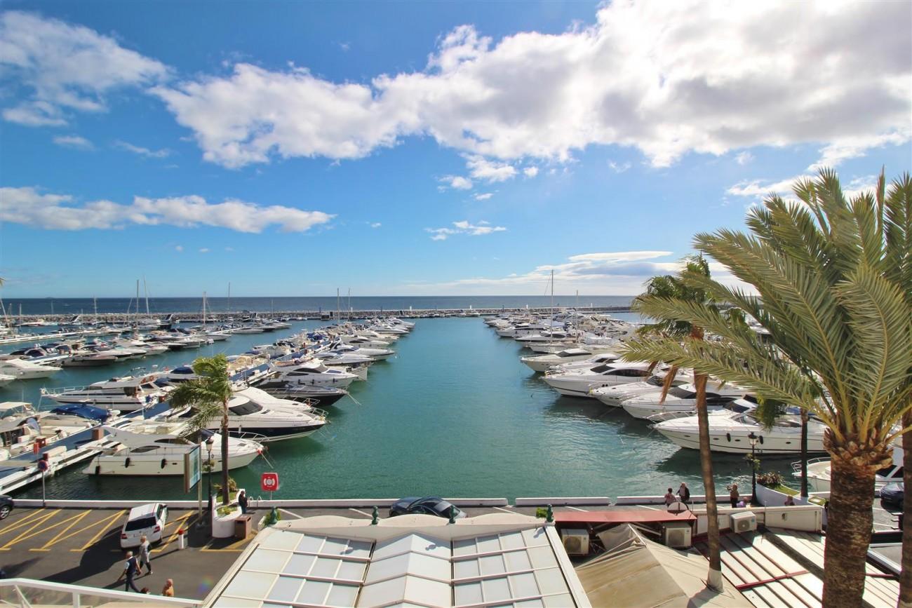 Frontline Marina Apartment for sale Puerto Banus Marbella Spain (7) (Large)