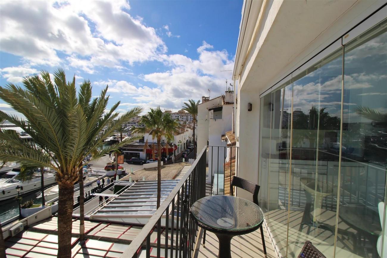 Frontline Marina Apartment for sale Puerto Banus Marbella Spain (10) (Large)