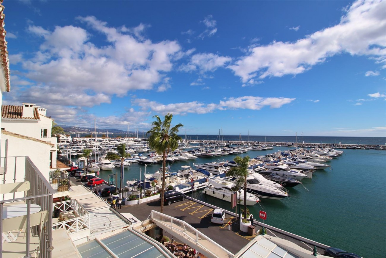 Frontline Marina Apartment for sale Puerto Banus Marbella Spain (8) (Large)