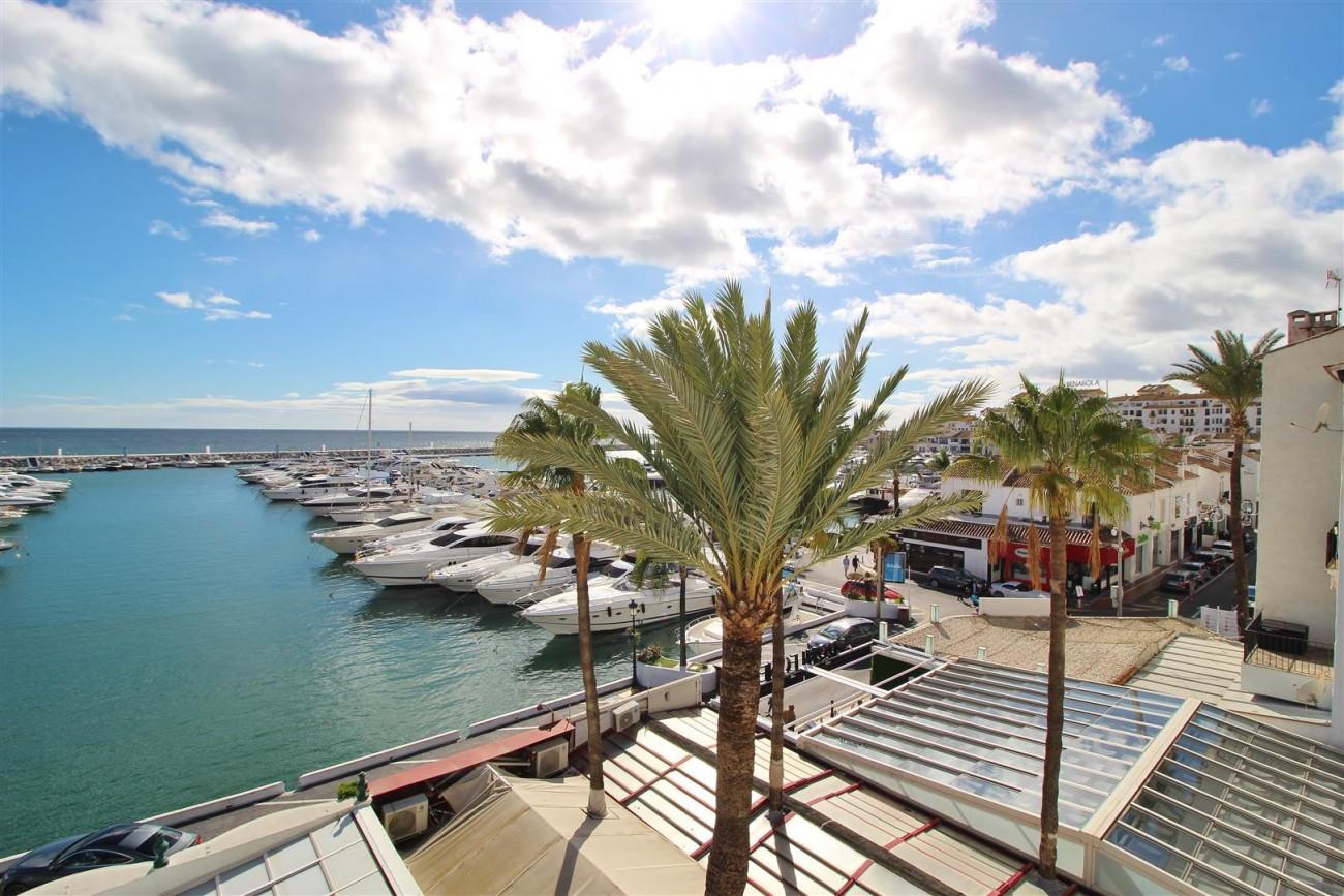 Frontline Marina Apartment for sale Puerto Banus Marbella Spain (9) (Large)