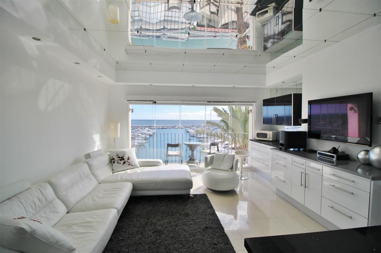 Frontline Marina Apartment for sale Puerto Banus Marbella Spain (2) (Large)