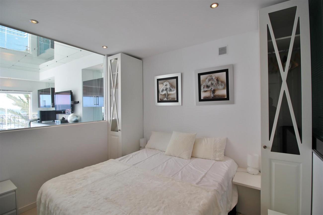 Frontline Marina Apartment for sale Puerto Banus Marbella Spain (14) (Large)