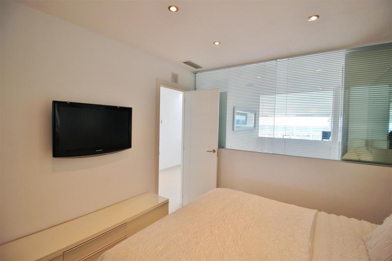 Frontline Marina Apartment for sale Puerto Banus Marbella Spain (16) (Large)