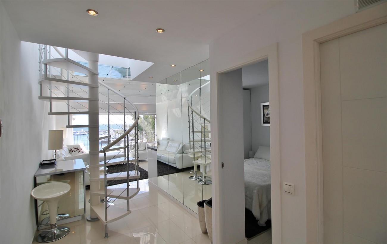 Frontline Marina Apartment for sale Puerto Banus Marbella Spain (13) (Large)