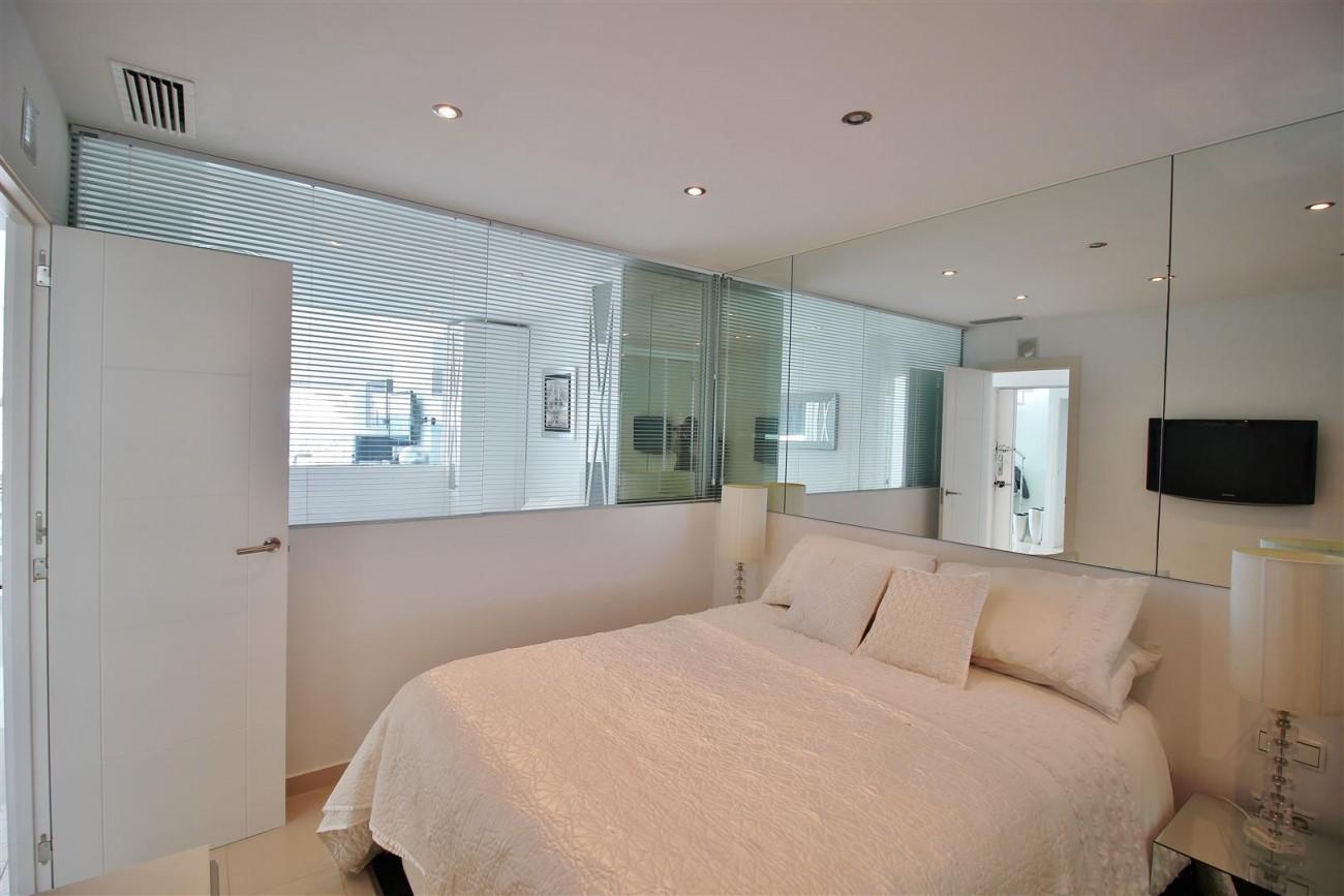 Frontline Marina Apartment for sale Puerto Banus Marbella Spain (17) (Large)