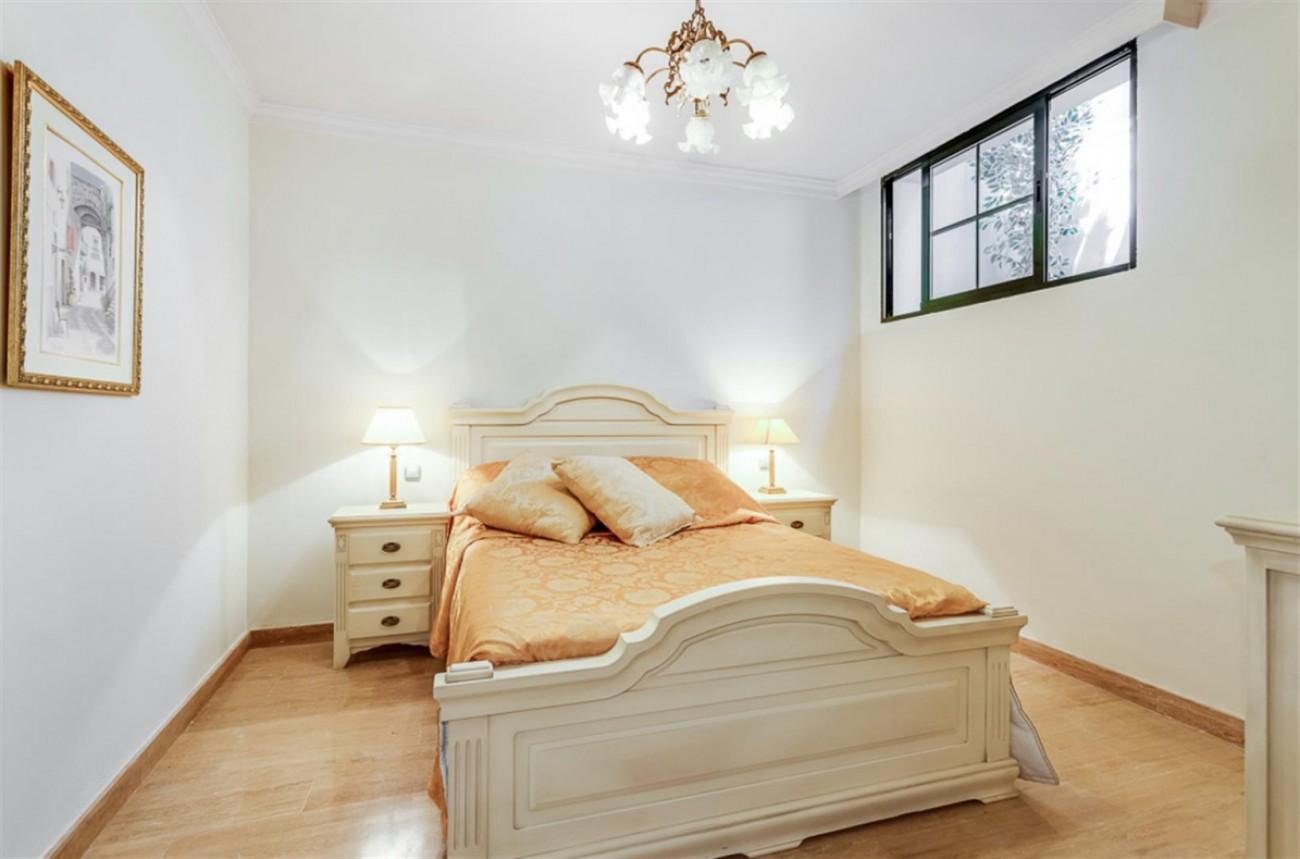 Villa for sale East Marbella Spain (11) (Large)