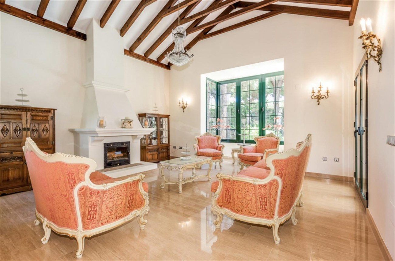 Villa for sale East Marbella Spain (1) (Large)