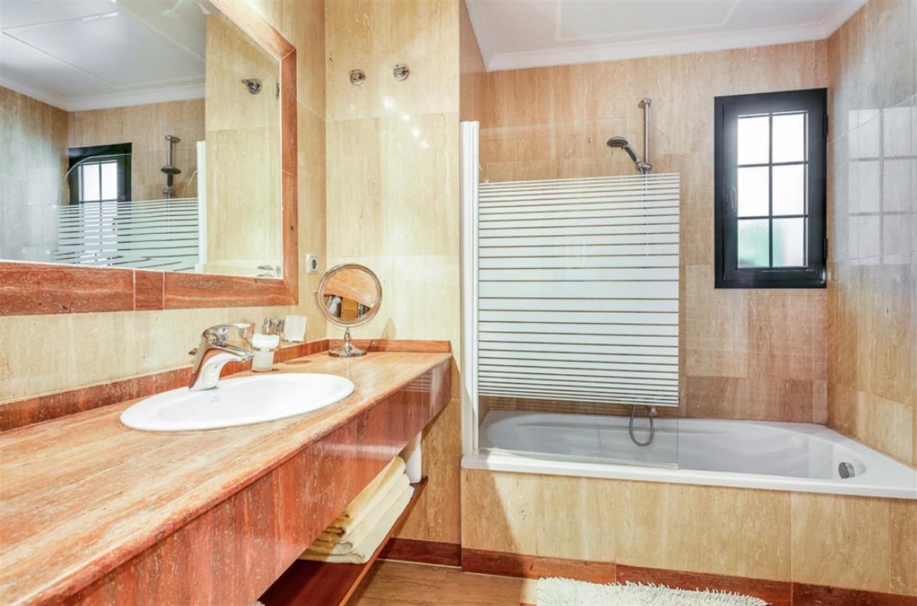 Villa for sale East Marbella Spain (12) (Large)