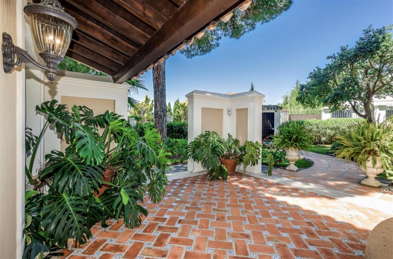 Villa for sale East Marbella Spain (24) (Large)
