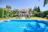 712768 - Detached Villa for sale in Cascada de Camoján, Marbella, Málaga, Spain