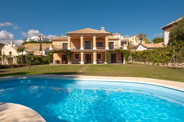 For sale: 4 bedroom house / villa in Estepona