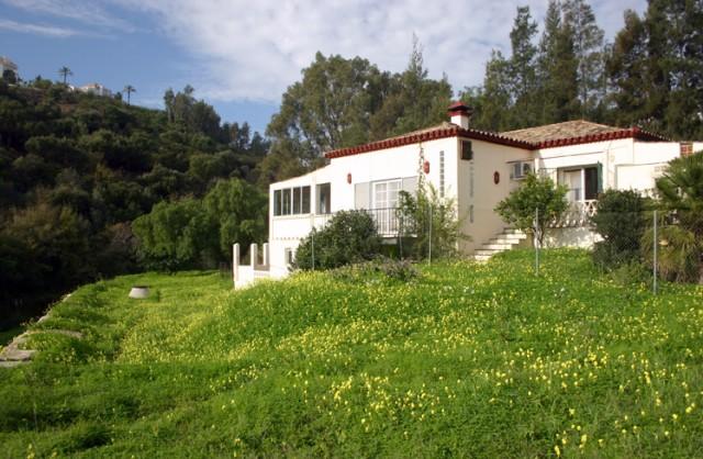For sale: 2 bedroom house / villa in Benahavis, Costa del Sol