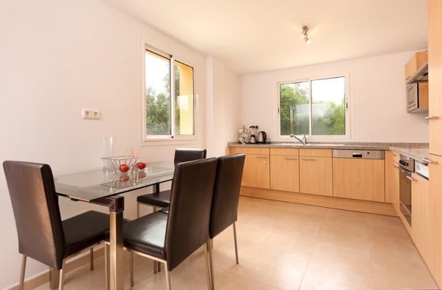 4 bedroom house / villa for sale in San Roque, Costa de la Luz