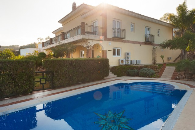 For sale: 5 bedroom house / villa in Alhaurín el Grande, Costa del Sol