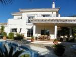 V2379-SSC - Villa for sale in Alhaurín Golf, Alhaurín el Grande, Málaga, Spain