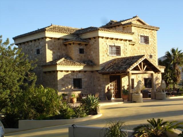 For sale: 5 bedroom house / villa in Alhaurín de la Torre, Costa del Sol