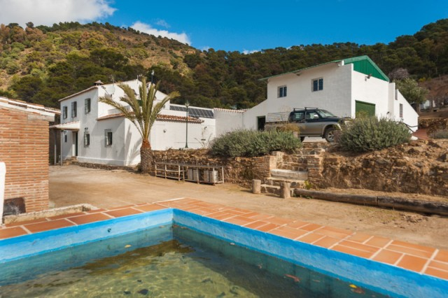 For sale: 9 bedroom finca in Málaga