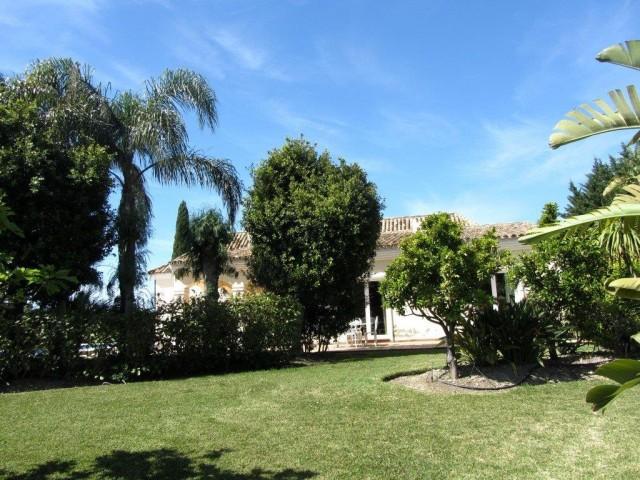 4 bedroom house / villa for sale in Estepona, Costa del Sol