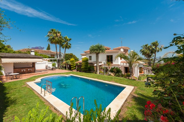 For sale: 5 bedroom house / villa in Alhaurín de la Torre, Costa del Sol