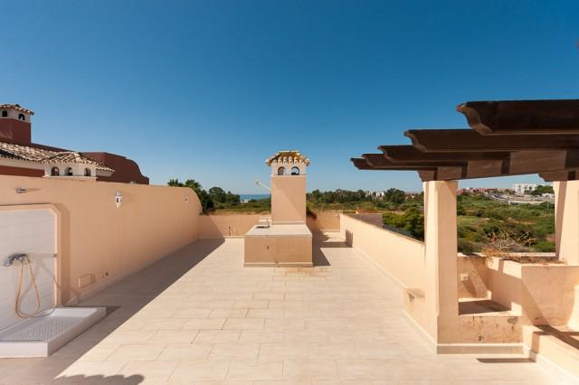 2 bedroom apartment / flat for sale in Estepona, Costa del Sol