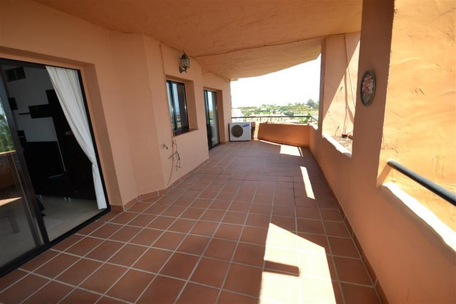 3 bedroom apartment / flat for sale in Estepona, Costa del Sol