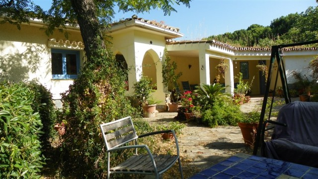 For sale: 5 bedroom finca in Casares, Costa del Sol