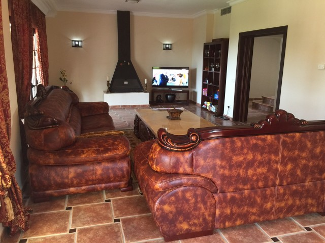 6 bedroom house / villa for sale in Marbella, Costa del Sol