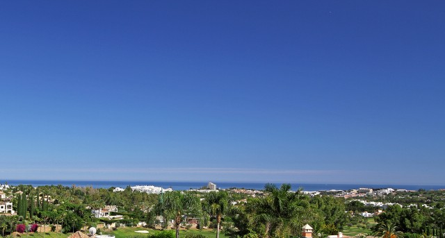 2 bedroom apartment / flat for sale in Marbella, Costa del Sol