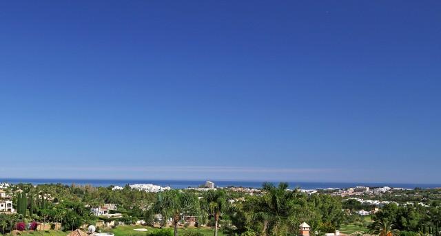 3 bedroom apartment / flat for sale in Marbella, Costa del Sol