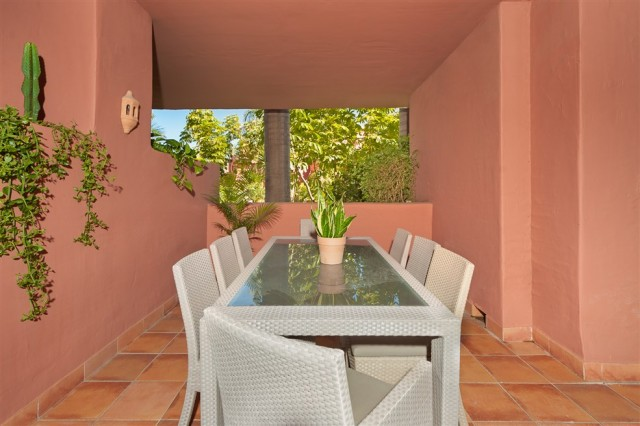 For sale: 4 bedroom apartment / flat in Estepona