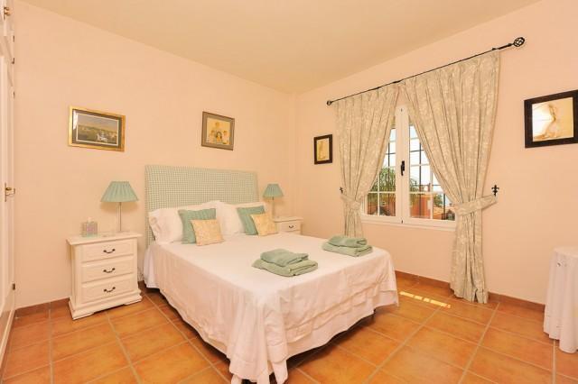 3 bedroom house / villa for sale in San Roque, Costa de la Luz