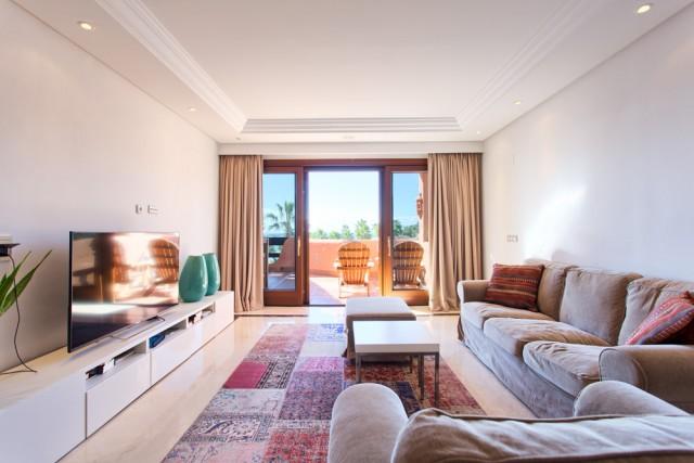 3 bedroom apartment / flat for sale in Estepona, Costa del Sol