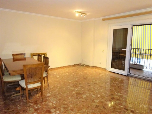 For sale: 5 bedroom apartment / flat in Málaga, Costa del Sol