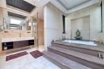 29 Master bathroom.jpg