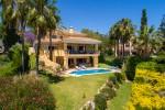 HOT-V5960-SSC - Villa for sale in El Rosario, Marbella, Málaga, Spain