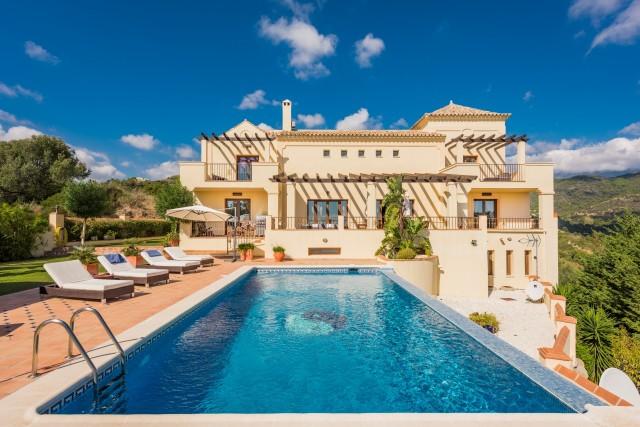 For sale: 6 bedroom house / villa in Benahavis, Costa del Sol