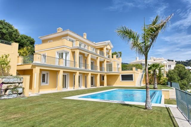 For sale: 5 bedroom house / villa in Benahavis, Costa del Sol