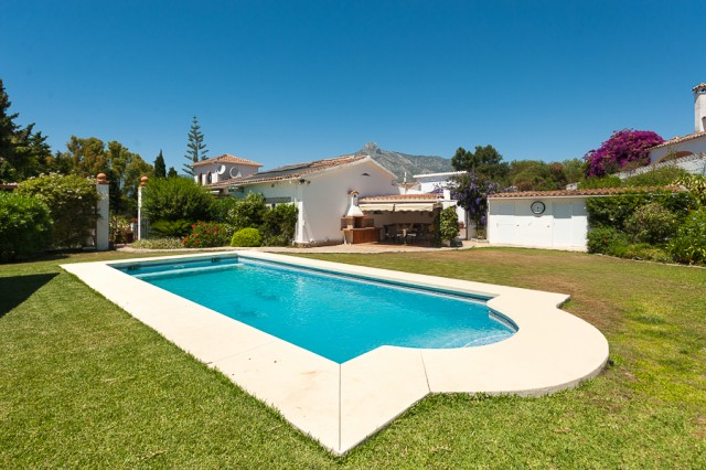 For sale: 5 bedroom house / villa in Marbella, Costa del Sol