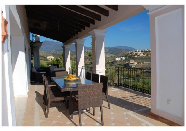 5 bedroom house / villa for sale in Benahavis, Costa del Sol